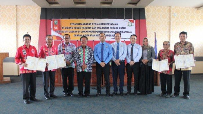 Empat OPD di Pemkab Sanggau Jalin Kerjasama di Bidang Perdata dan Tata Usaha Negara Dengan Kejari