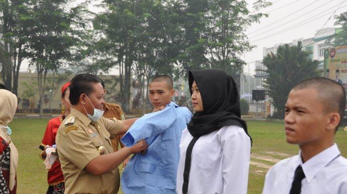 Buka Kegiatan PKKMB PSDKU Polnep di Sanggau, Ini Pesan Bupati Paolus Hadi