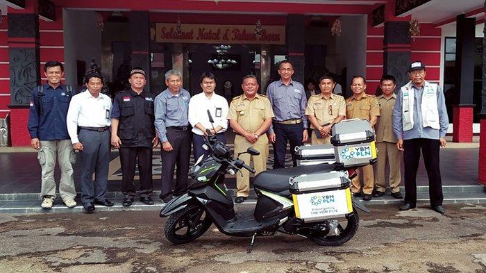 Bupati Sanggau Sambut Baik Kunjungan Tim YBM PLN UIW dan YPI Al Azhar