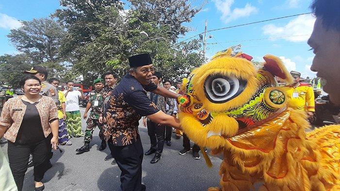 Tak Ada Perayaan Saat Imlek dan Cap Go Meh, Bupati Jarot Akan Berikan Kado Pada Masyarakat Tionghoa