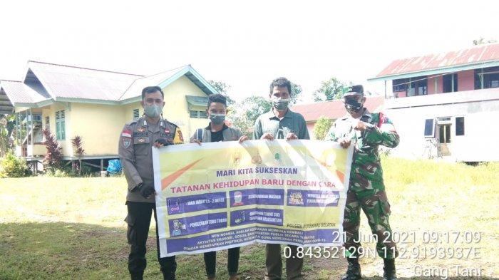 Bersinergi, TNI dan Polri Kampanyekan Pencegahan Covid-19 di Kapuas Hulu