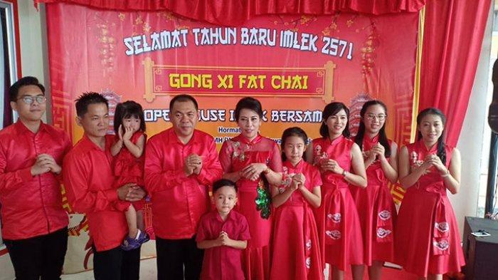Wali Kota Singkawang Rayakan Imlek, Momen Kumpul Keluarga & Curhat Anak ke Chui Mie