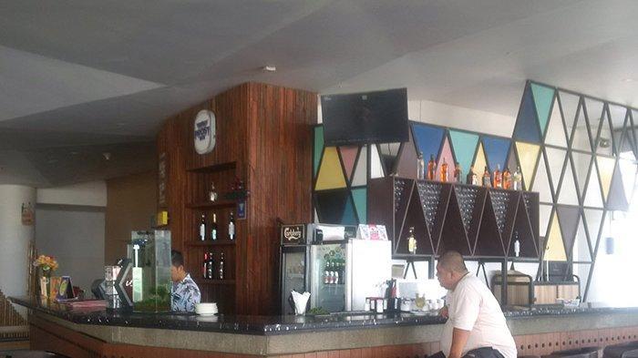 Asyik Bersantai di Copacabana Lounge Hotel Golden Tulip