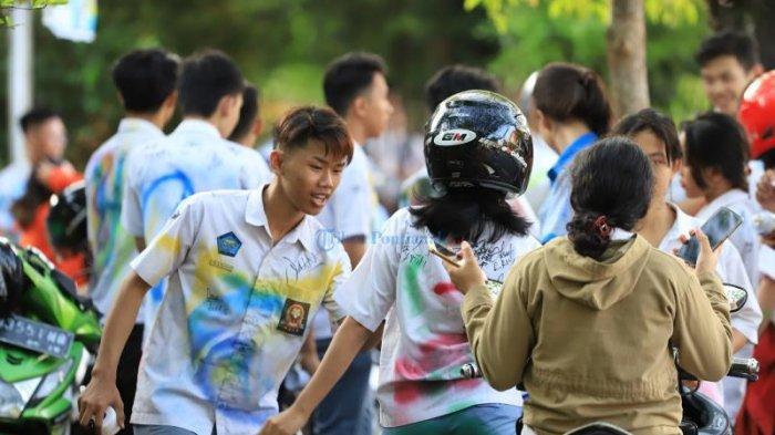 Rayakan Kelulusan Ribuan Pelajar Padati Bundaran Digulis, Coret Baju Putih Abu-abu