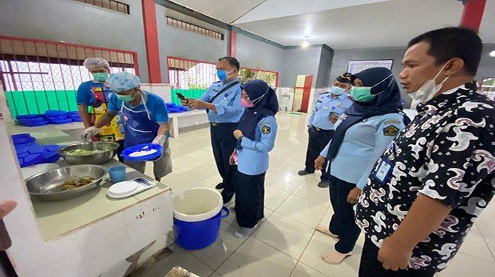Tim Verifikasi Ditjen pas Kunjungi Rutan Sambas, Cek Penyelenggaraan Makanan Bagi Warga Binaan