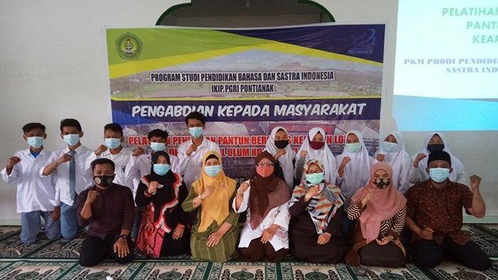 Lestarikan Pantun Melayu Berbasis Kearifan Lokal, Dosen IKIP PGRI Pontianak Berikan Pelatihan
