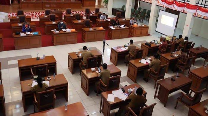Bapemerda DPRD Landak Rapat Bahas Kelembagaan Adat Dayak