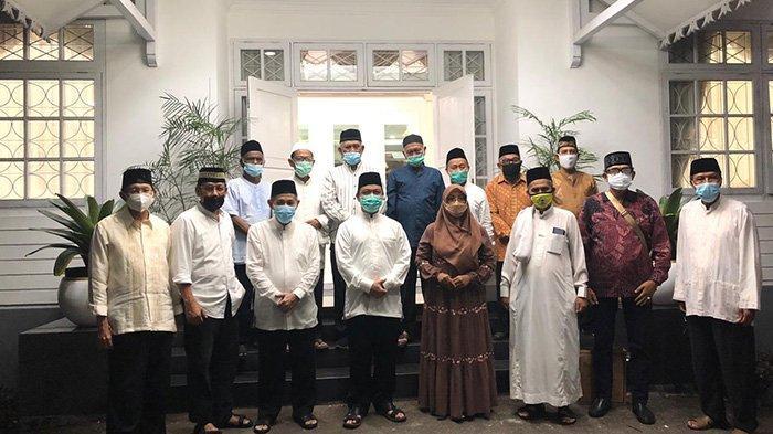 Ajang Silaturahmi, Ketua DMI Kalbar Buka Bersama Anggota PWRI Pemprov Kalbar