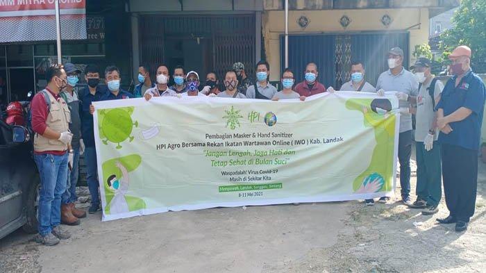 HPI Agro Bersama IWO Landak Bagikan 12 Ribu Masker dan Hand Sanitizer untuk Masyarakat