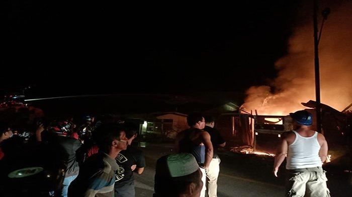 BREAKING NEWS - Pom Mini di Kabupaten Sambas Dilahap Si Jago Merah - ddfs-dsfsdfdsfdsfsd.jpg