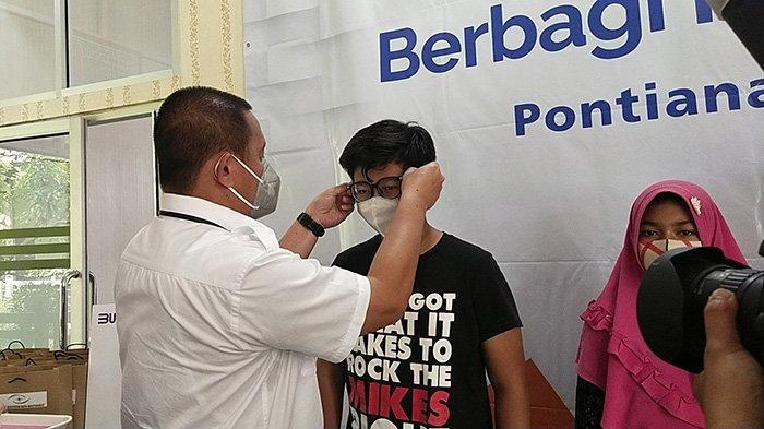 Program BRI Melihat Dunia, BRI Cabang Pontianak Beri Kacamata ke 30 Pelajar di Pontianak