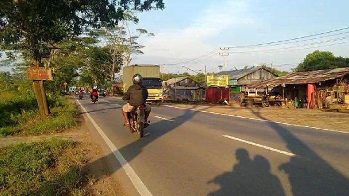 Anggota DPRD Kubu Raya Soroti Bangunan Liar di Jalan Trans Kalimantan