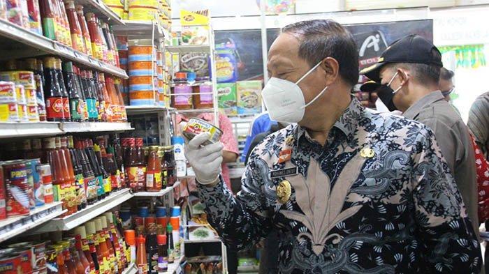 Sidak Pasar, Wabup Sanggau: Harga Bahan Pokok Relatif Stabil Menjelang Idul Fitri Tahun 2021