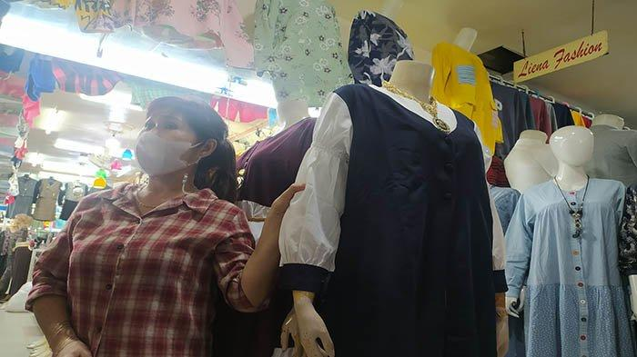 Geliat Ekonomi Tahun Kedua Pandemi Covid Dianggap Pedagang Pakaian di Khatulistiwa Plaza Lebih Baik
