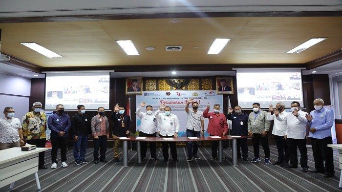 IPC Group Pontianak dan Mitra Usaha Tanda Tangani Deklarasi Bersama Pelabuhan Bersih - deklarasi-pelabuhan-bersih-1.jpg