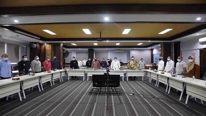IPC Group Pontianak dan Mitra Usaha Tanda Tangani Deklarasi Bersama Pelabuhan Bersih - deklarasikan-bersama-pelabuhan-bersih-3.jpg