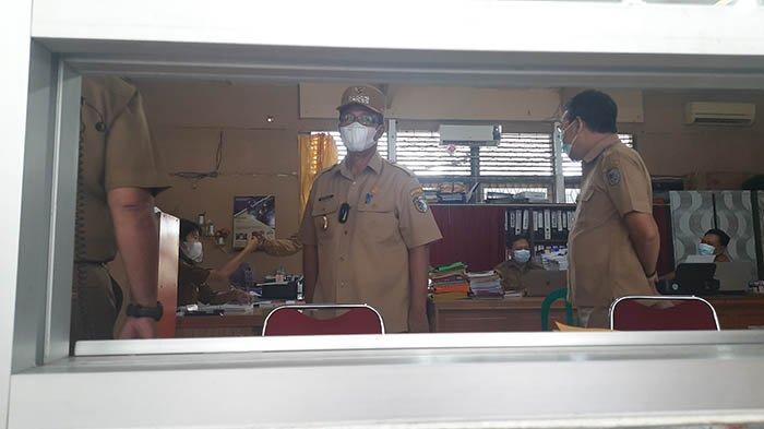 Sidak Kantor OPD Pelayanan Pemkab Sintang, Sudiyanto : ASN yang WFH Jangan Keluyuran ke Warkop