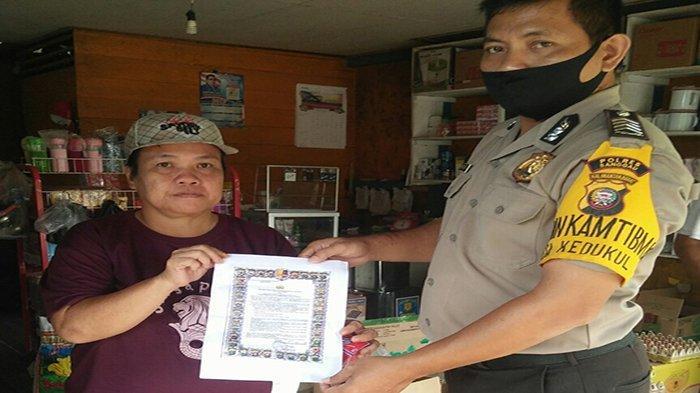 Laksanakan Sambang, Bripka Ahmad Kardoyo Imbau Waspada Penyebaran Covid-19