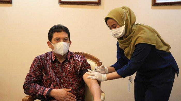 Duta BPJS Kesehatan Terima Vaksinasi Covid-19