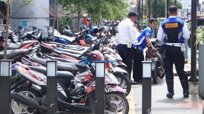 Dishub Ketapang Tegaskan Petugas Parkir Harus Ikuti Perda