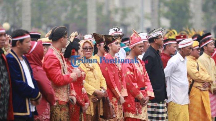 FOTO: Suasana Doa Bersama Masyarakat Kalbar untuk Negeri Demi Persatuan dan Kesatuan Bangsa - doa-bersama-masyarakat-kalbar-untuk-negeri-1.jpg