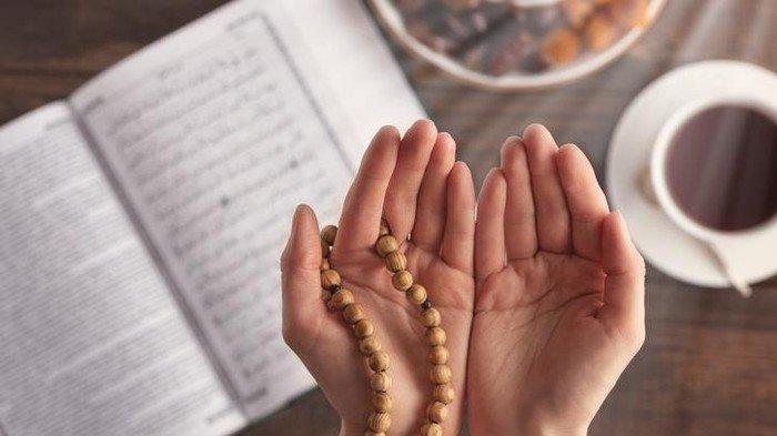 DERETAN Bacaan Doa dan Amalan Terbaik di Hari Jumat, Sholawat Pendek, Surah Al-Quran & Waktu Sedekah