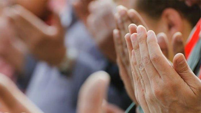 NIAT Sholat Witir Pakai Qunut Mulai Malam 15 Ramadhan, Bacaan Doa Qunut Witir & Tata Cara