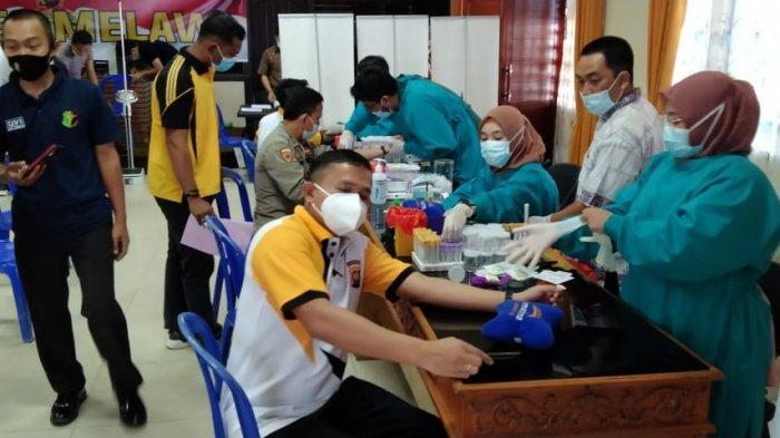 Terapkan Prokes, Kapolres Melawi dan Jajaran Jalani Pemeriksaan Kesehatan Berkala
