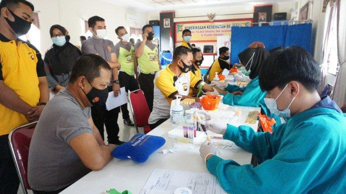 Deteksi Penyakit, Personel Polres Sekadau Jalani Pemeriksaan Kesehatan Secara Berkala