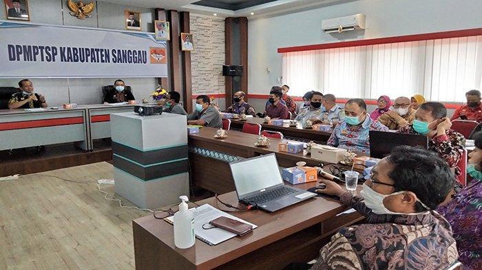 Tingkatkan Pelayanan Sesuai Aturan Baru, DPM PTSP Sanggau Gelar Publik Hearing