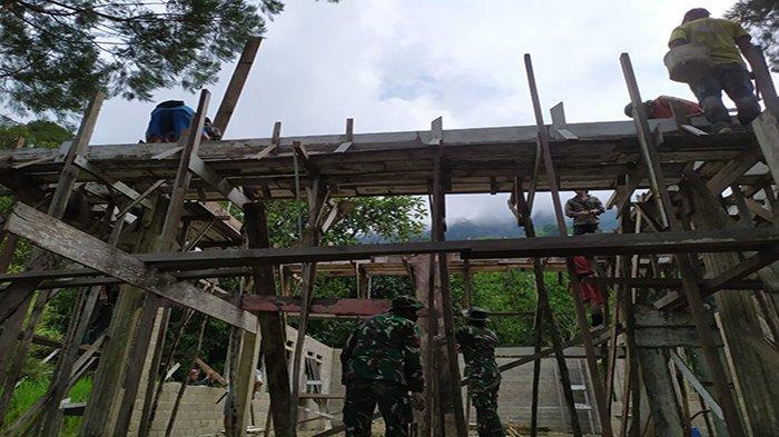 Satgas Pamtas Yonif Mekanis 643/Wns Bantu Bangun Gereja di Perbatasan