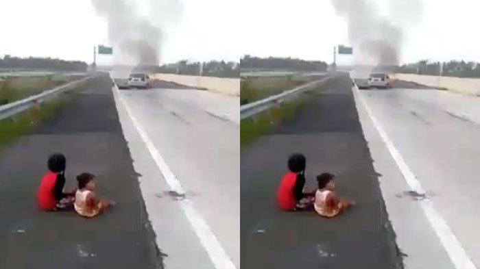 dua-anak-kecil-korban-selamat-kecelakaan-mobil-civic.jpg