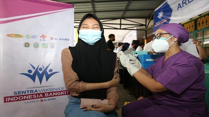 12.050 Warga Terima Vaksin di Sentra Vaksinasi Indonesia Bangkit XL Axiata di Medan