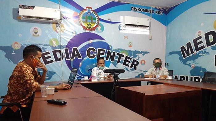 Wabup Kayong Utara Sebut Penggunaan Teknologi Bijak, Ciptakan Interaksi dan Komunikasi Positif