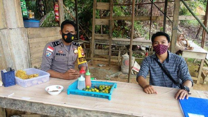 Patroli Dialogis, Aipda Meydianto Berikan Imbauan Cegah Penyebaran Covid-19 pada Warga