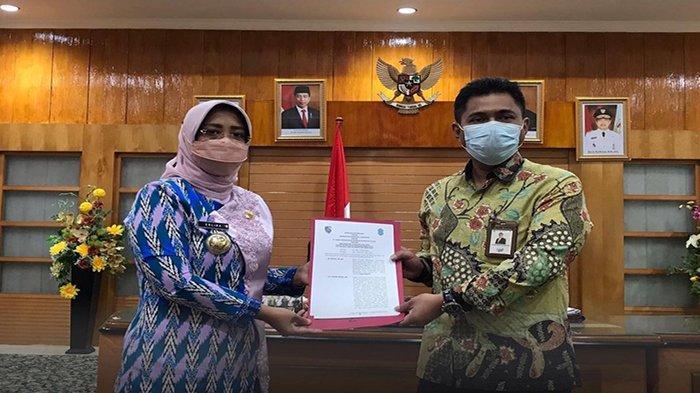Bupati Erlina Lakukan Penandatanganan MoU Pemkab Mempawah dan PT Bank Pembangunan Daerah Kalbar