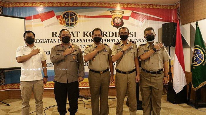 BPN Provinsi Kalbar Berikan Penghargaan Kepada Tim Satgas Polda Kalbar Berantas Kejahatan Pertanahan