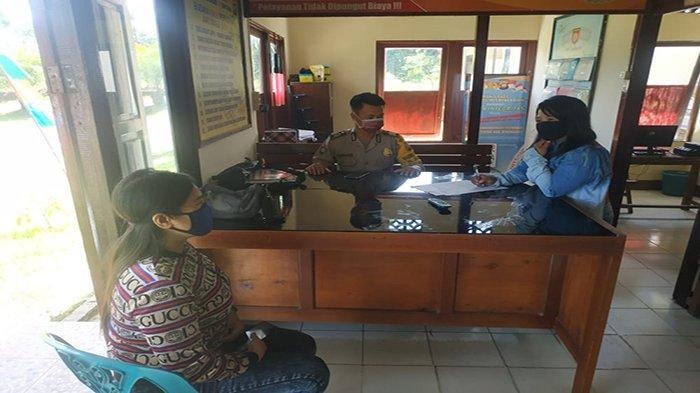 Polsek Monterado Beri Pelayanan Sesuai Protokol Kesehatan Pada Masyarakat yang Melapor