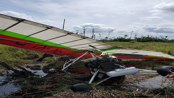 BREAKING NEWS - Pesawat Microlight Milik KLHK Jatuh di Desa Sungai Awan Kiri Ketapang Kalbar