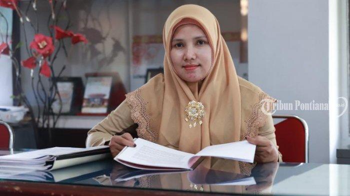 FOTO: Smart Women Dosen Agama Polnep Farida - farida-2.jpg