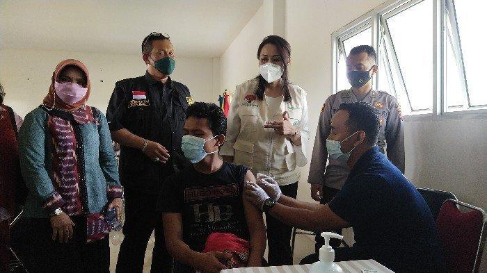 Ratusan Milenial Ikuti Vaksinasi Massaldi Kampus UNU Kalbar