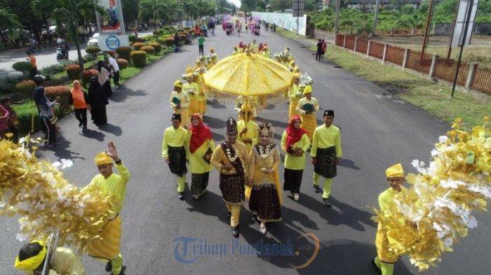 FOTO : Festival Arakan Pengantin Melayu Pontianak, Rangkaian Peringatan HUT Kota Pontianak ke-248 - festival-arakan-pengantin-melayu-pontianak.jpg