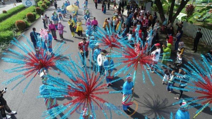 FOTO : Festival Arakan Pengantin Melayu Pontianak, Rangkaian Peringatan HUT Kota Pontianak ke-248 - festival-arakan-pengantin-melayu-pontianak01.jpg
