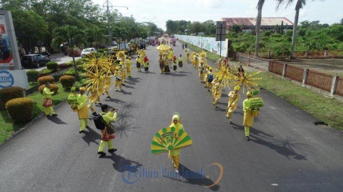 FOTO : Festival Arakan Pengantin Melayu Pontianak, Rangkaian Peringatan HUT Kota Pontianak ke-248 - festival-arakan-pengantin-melayu-pontianak02.jpg