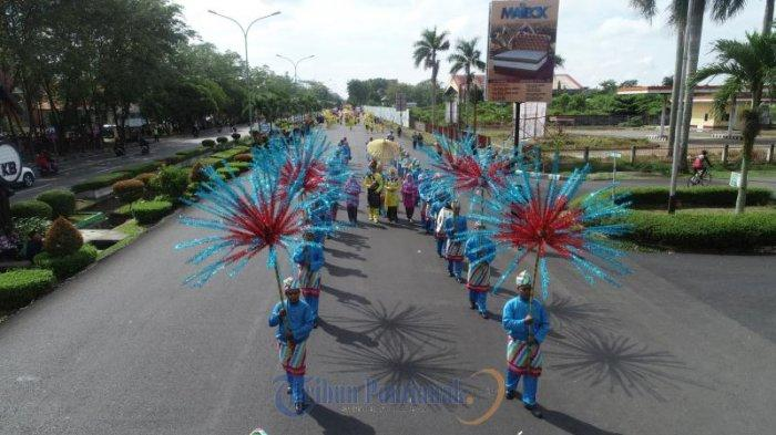 FOTO : Festival Arakan Pengantin Melayu Pontianak, Rangkaian Peringatan HUT Kota Pontianak ke-248 - festival-arakan-pengantin-melayu-pontianak05.jpg