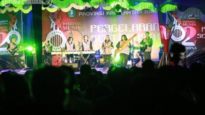 FOTO: Penampilan Peserta Festival Musik Dua Warna di Taman Budaya Kalimantan Barat - festival-musik-dua-warna2.jpg