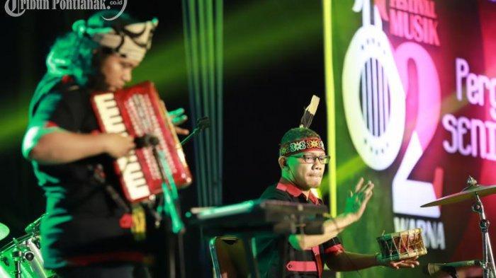 FOTO: Penampilan Peserta Festival Musik Dua Warna di Taman Budaya Kalimantan Barat - festival-musik-dua-warna5.jpg