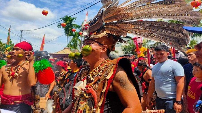 Atraksi 50 TatungMeriahkan Perayaan Cap Go Meh Kubu Raya - festival-tatung-cap-go-meh-kubu-raya-1.jpg
