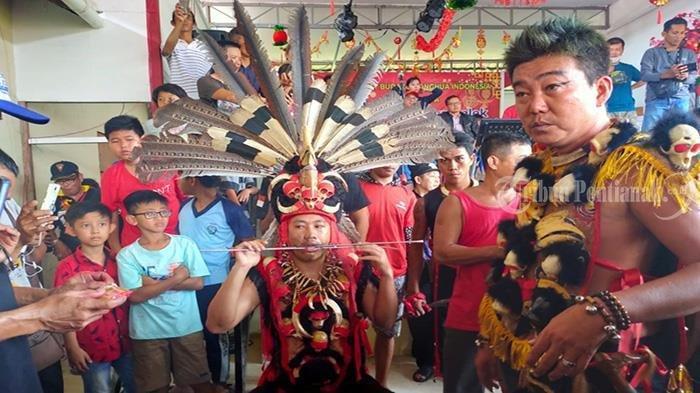 Atraksi 50 TatungMeriahkan Perayaan Cap Go Meh Kubu Raya - festival-tatung-cap-go-meh-kubu-raya-3.jpg
