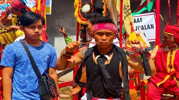 Atraksi 50 TatungMeriahkan Perayaan Cap Go Meh Kubu Raya - festival-tatung-cap-go-meh-kubu-raya-4.jpg